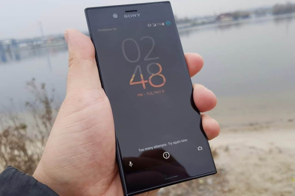 Sony Xperia XZ2 vs Huawei Mate 10 Pro