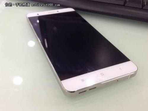 Xiaomi-no-side-bezels-Mi-Note-leak_1