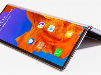 Xiaomi Mi 9 Transparent vs Huawei Mate X